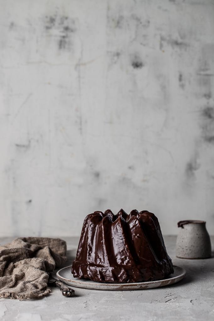 Choklad och rödbetskaka med en choklad ganache